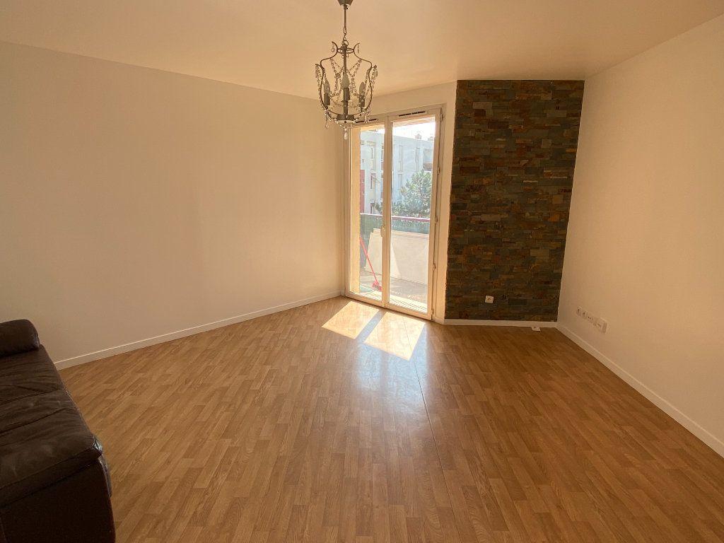Appartement à vendre 4 75.29m2 à Épinay-sur-Seine vignette-3