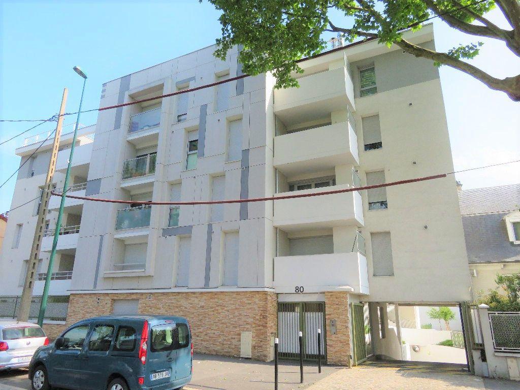 Appartement à vendre 3 65.94m2 à Épinay-sur-Seine vignette-1