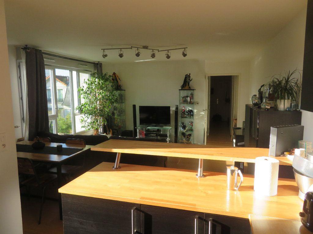 Appartement à vendre 3 65.94m2 à Épinay-sur-Seine vignette-2