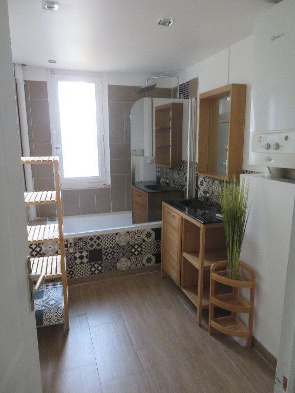Appartement à louer 3 57.66m2 à Enghien-les-Bains vignette-4