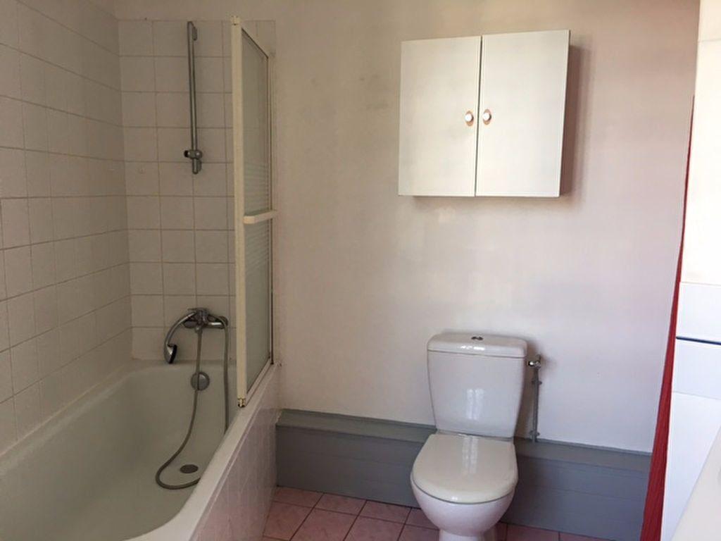 Appartement à louer 2 48m2 à Aigrefeuille-d'Aunis vignette-4