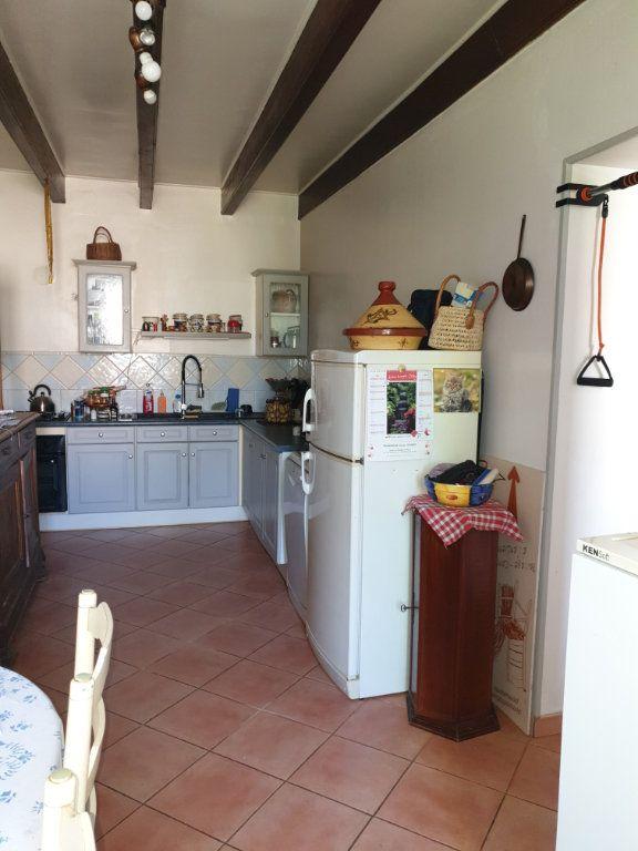 Maison à vendre 6 160m2 à La Grève-sur-Mignon vignette-6