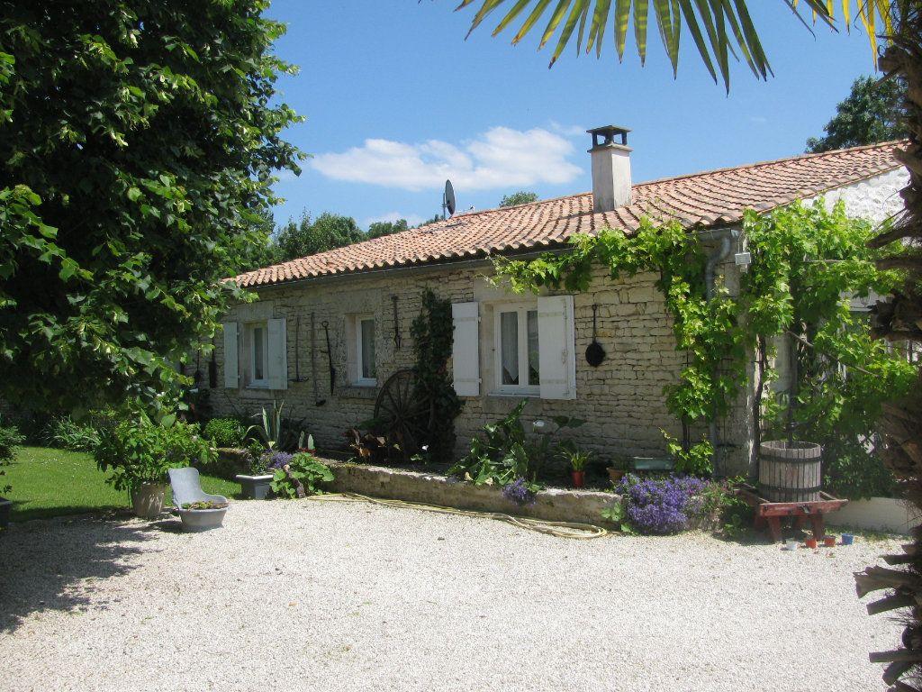 Maison à vendre 9 305m2 à Saint-Hilaire-la-Palud vignette-4