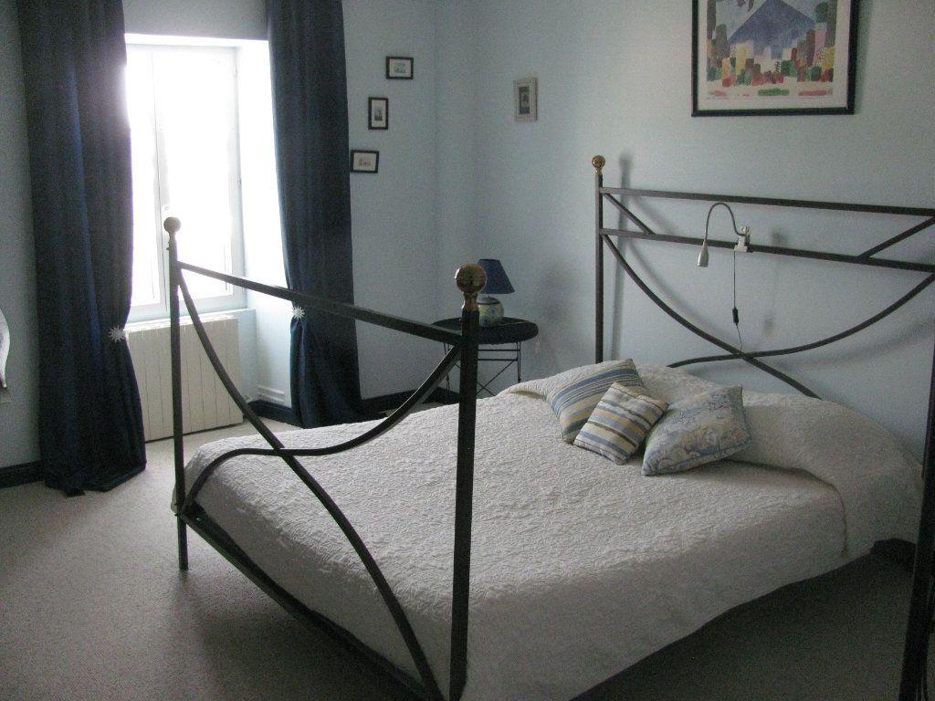 Maison à vendre 9 305m2 à Saint-Hilaire-la-Palud vignette-10