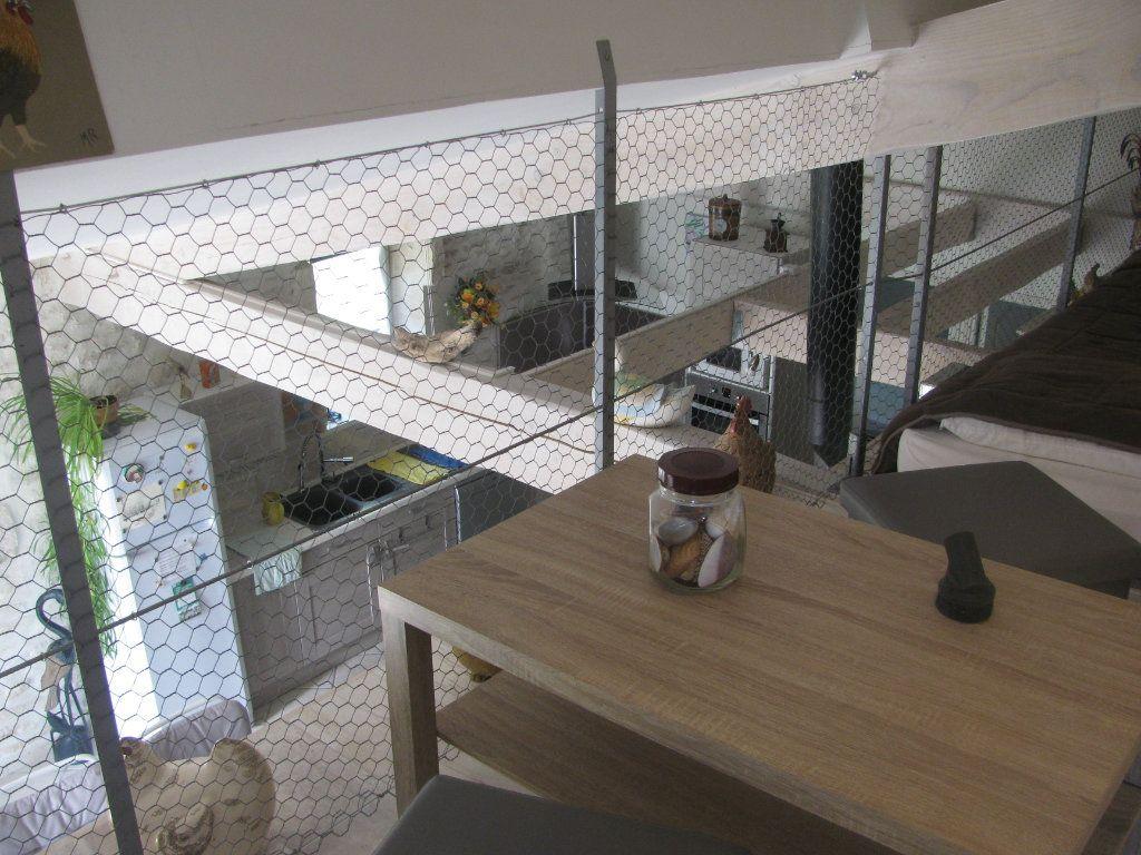 Maison à vendre 9 305m2 à Saint-Hilaire-la-Palud vignette-12