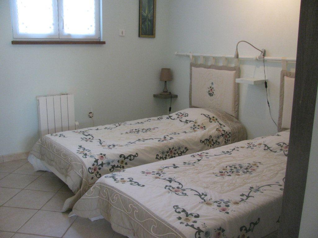 Maison à vendre 9 305m2 à Saint-Hilaire-la-Palud vignette-14