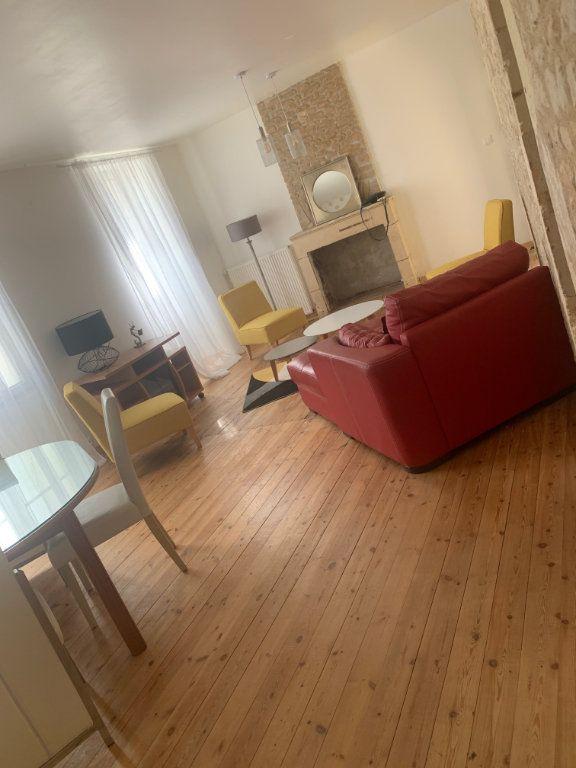 Maison à louer 3 100m2 à Surgères vignette-6
