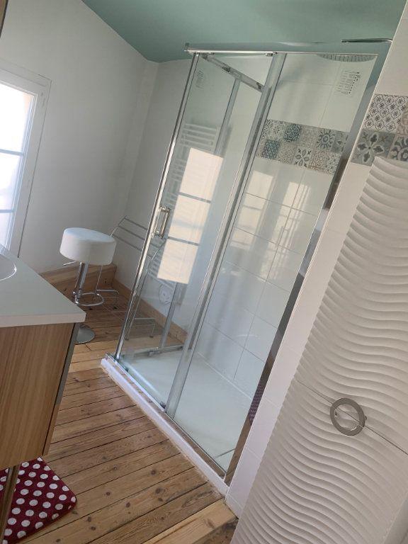 Maison à louer 3 100m2 à Surgères vignette-8