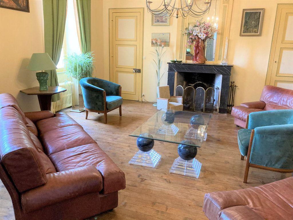 Maison à vendre 11 490m2 à Saint-Saturnin-du-Bois vignette-6