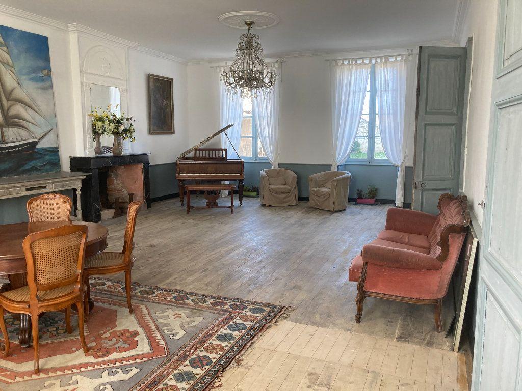Maison à vendre 11 490m2 à Saint-Saturnin-du-Bois vignette-8
