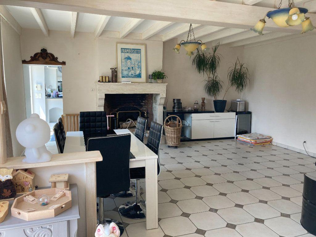 Maison à vendre 12 316m2 à Saint-Hilaire-la-Palud vignette-3