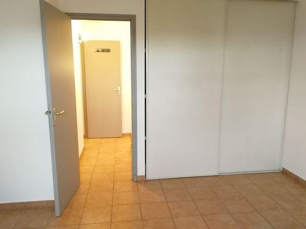 Maison à louer 4 98m2 à Montmeyan vignette-8