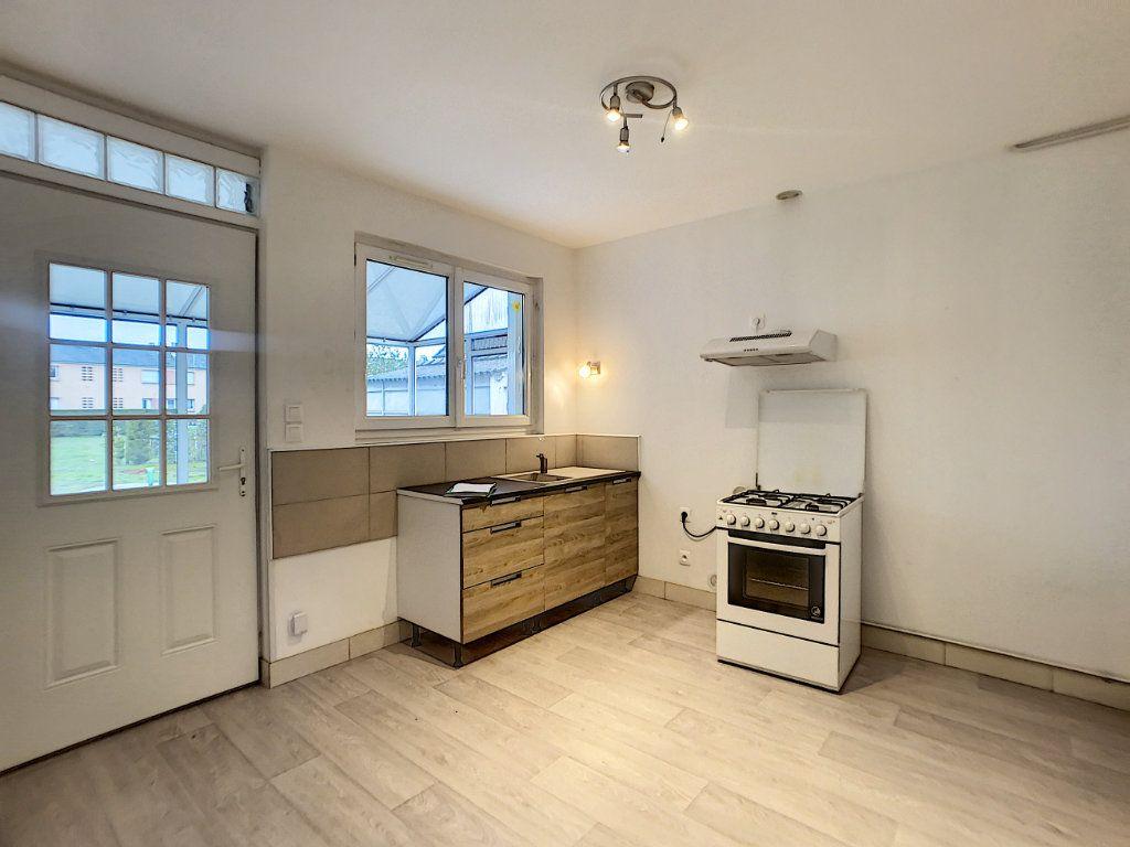 Maison à louer 3 60m2 à La Ferté-Saint-Aubin vignette-2