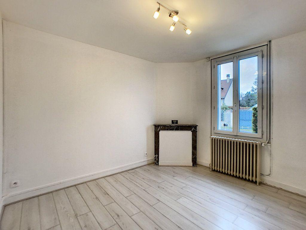 Maison à louer 3 60m2 à La Ferté-Saint-Aubin vignette-3