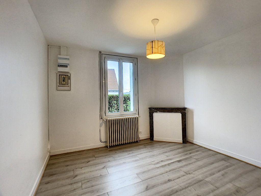Maison à louer 3 60m2 à La Ferté-Saint-Aubin vignette-6