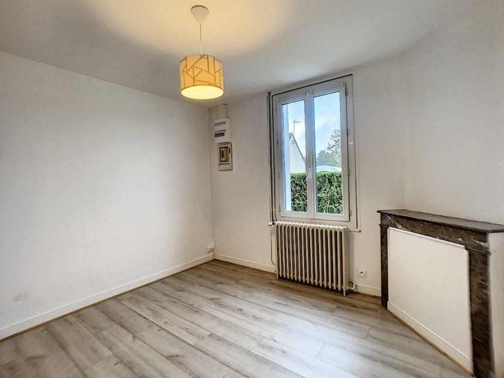 Maison à louer 3 60m2 à La Ferté-Saint-Aubin vignette-7