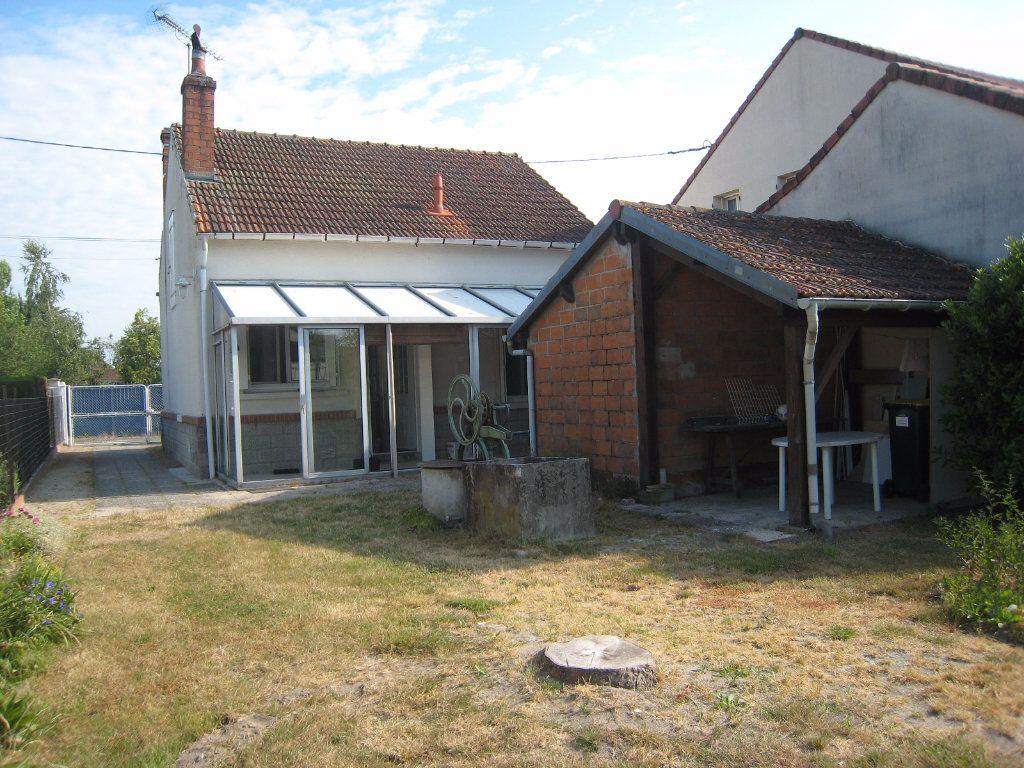 Maison à louer 3 60m2 à La Ferté-Saint-Aubin vignette-11