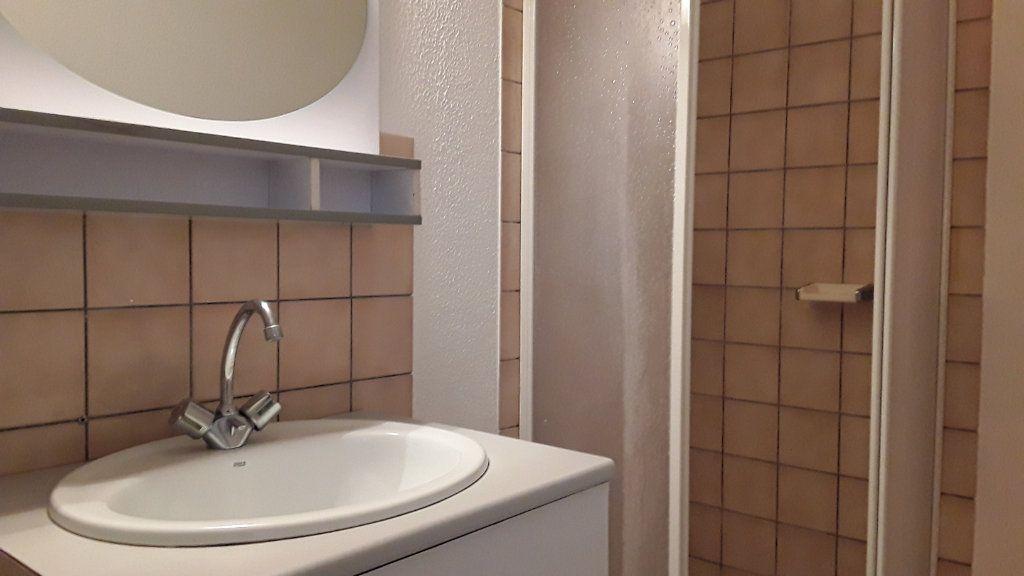 Appartement à louer 1 30m2 à Vouzon vignette-5