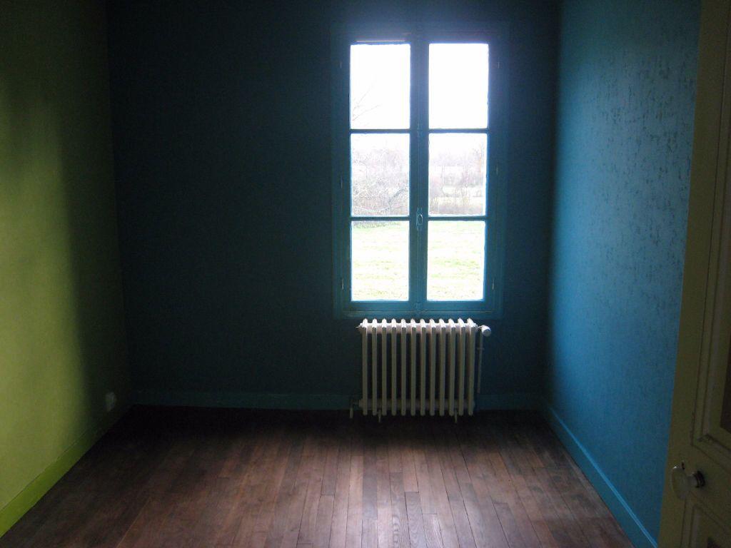 Maison à louer 4 76m2 à Chaon vignette-6
