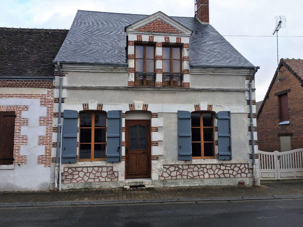 Maison à louer 4 96.5m2 à Selles-Saint-Denis vignette-1