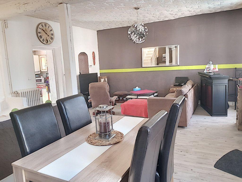 Maison à vendre 4 101m2 à Pierrefitte-sur-Sauldre vignette-2