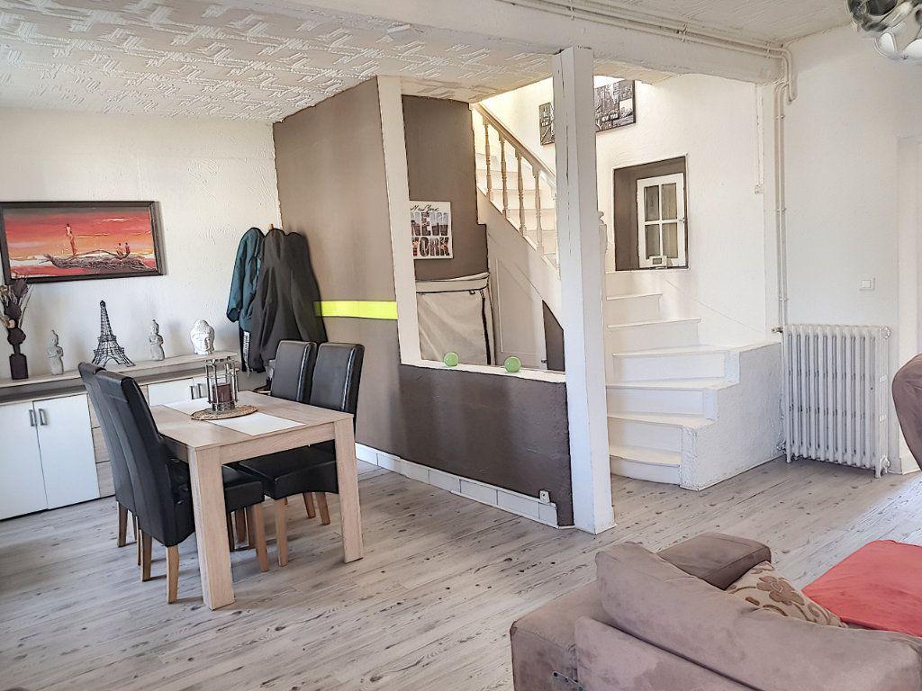 Maison à vendre 4 101m2 à Pierrefitte-sur-Sauldre vignette-3