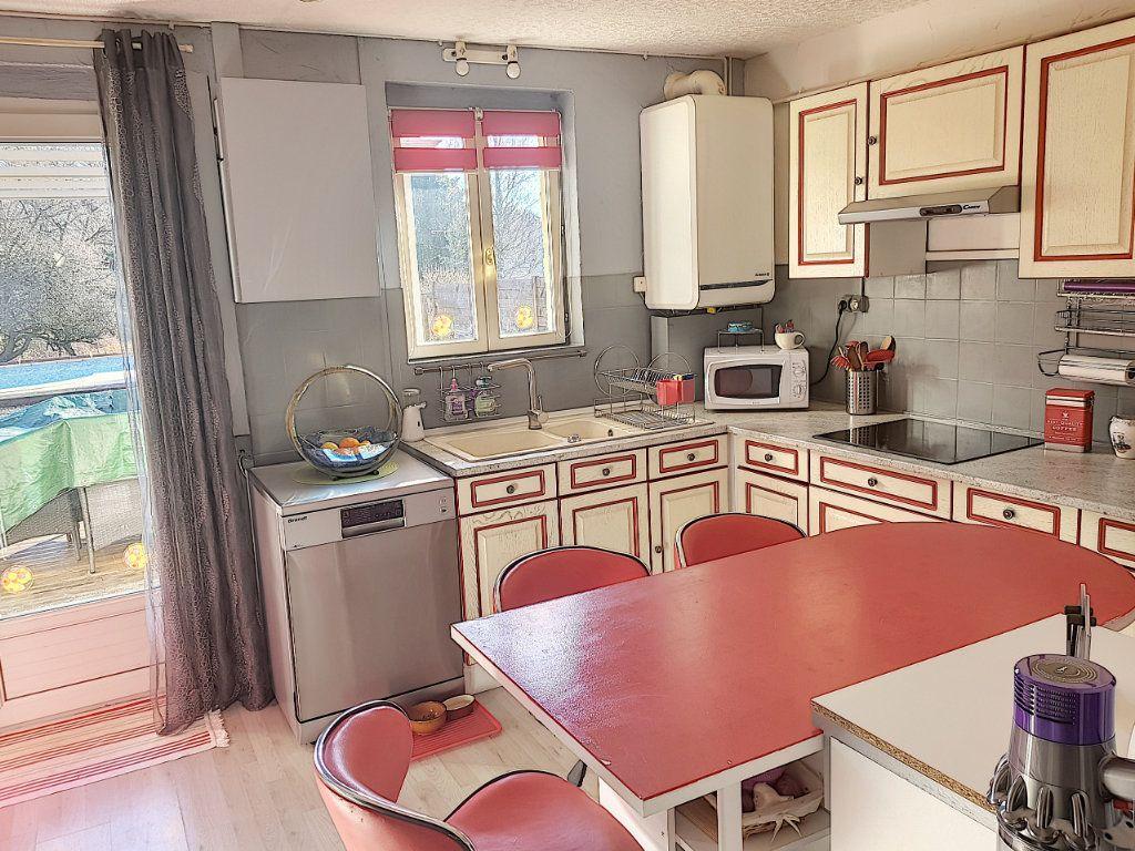 Maison à vendre 4 101m2 à Pierrefitte-sur-Sauldre vignette-4