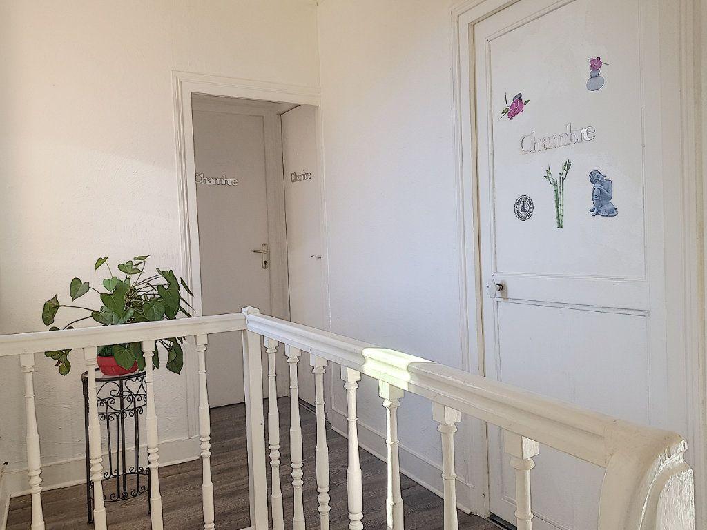 Maison à vendre 4 101m2 à Pierrefitte-sur-Sauldre vignette-8