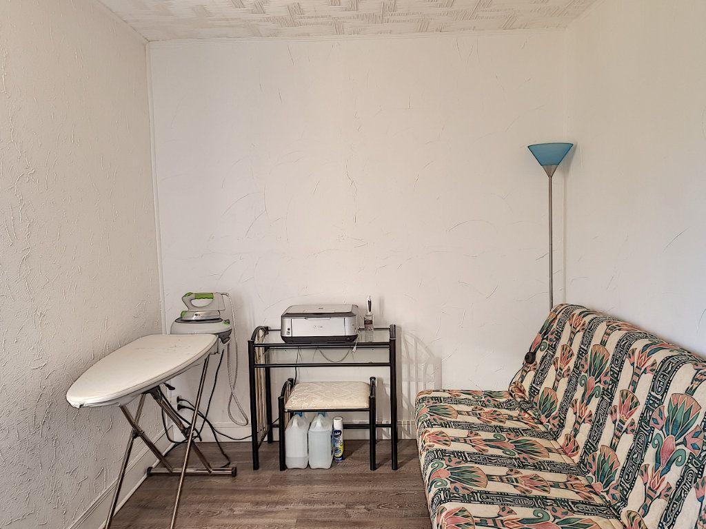 Maison à vendre 4 101m2 à Pierrefitte-sur-Sauldre vignette-12