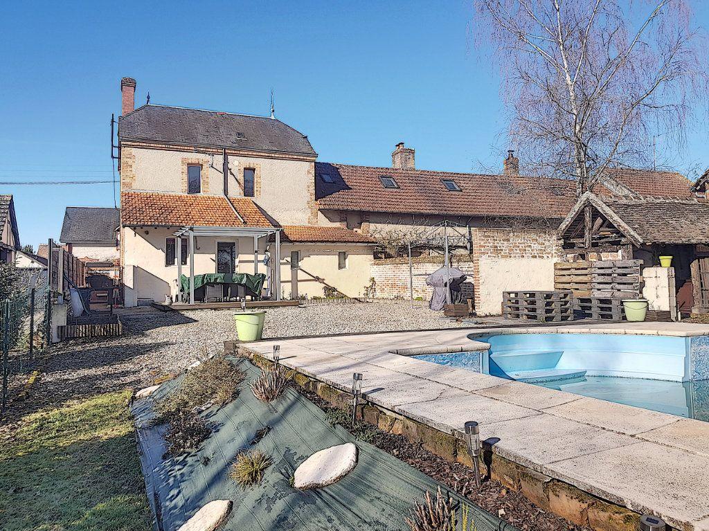 Maison à vendre 4 101m2 à Pierrefitte-sur-Sauldre vignette-15