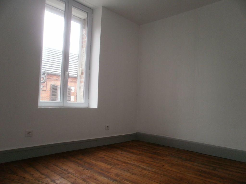 Appartement à louer 3 49m2 à Ligny-le-Ribault vignette-3