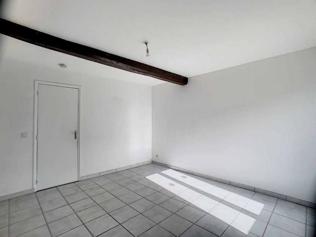 Maison à louer 2 37m2 à La Ferté-Saint-Aubin vignette-6