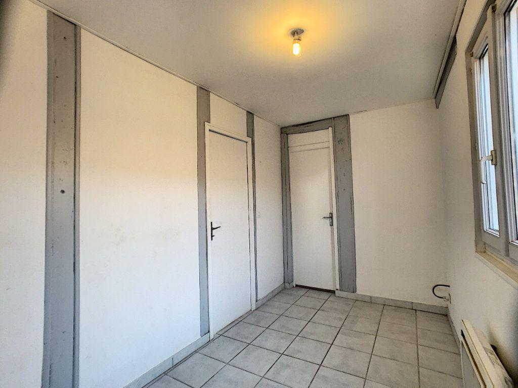 Maison à louer 2 37m2 à La Ferté-Saint-Aubin vignette-8