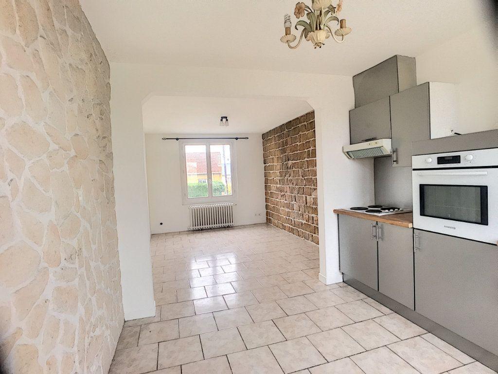 Maison à louer 3 53m2 à La Ferté-Saint-Aubin vignette-1