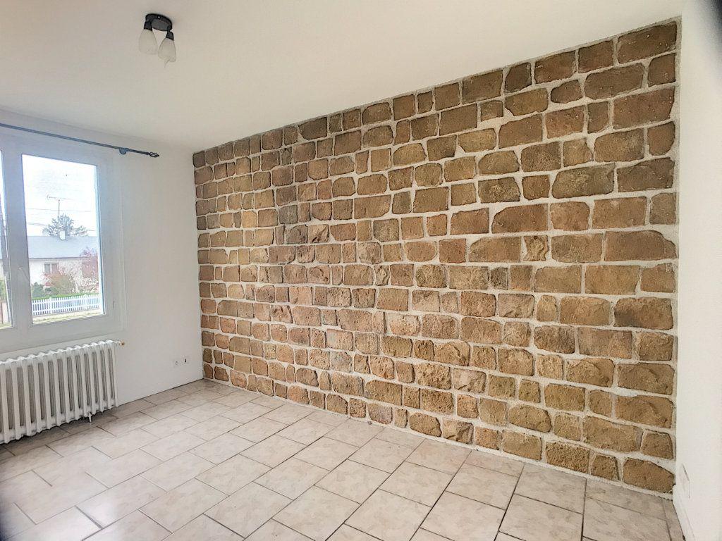 Maison à louer 3 53m2 à La Ferté-Saint-Aubin vignette-5