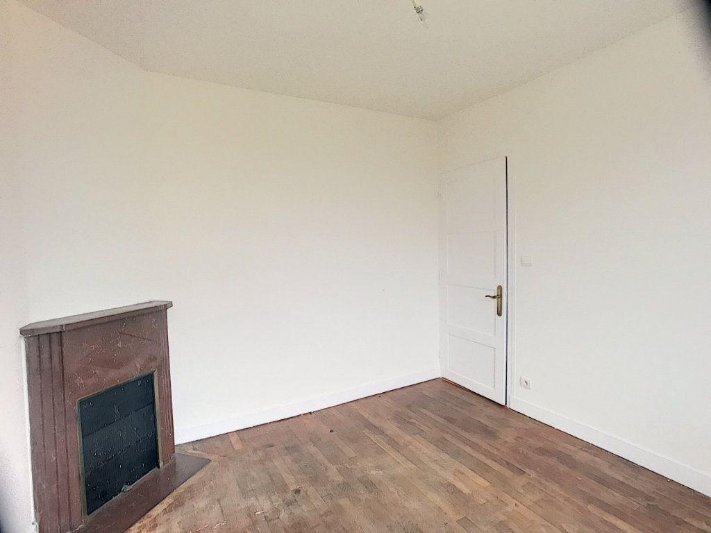 Maison à louer 3 53m2 à La Ferté-Saint-Aubin vignette-8