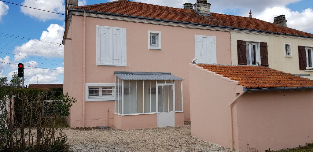 Maison à louer 3 53m2 à La Ferté-Saint-Aubin vignette-12