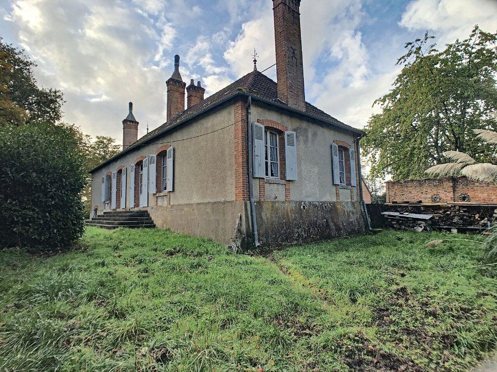 Maison à vendre 6 112m2 à Pierrefitte-sur-Sauldre vignette-11