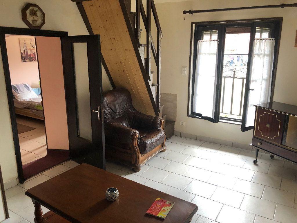 Maison à louer 3 43m2 à Villeny vignette-3