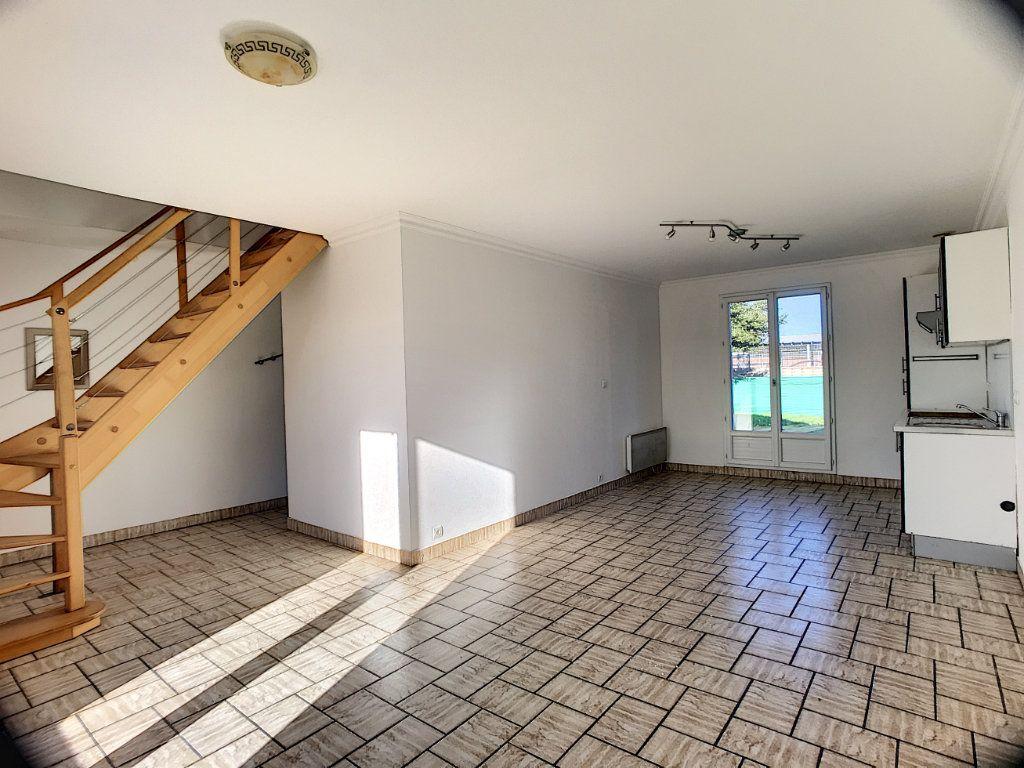 Maison à louer 3 55m2 à Ingré vignette-2