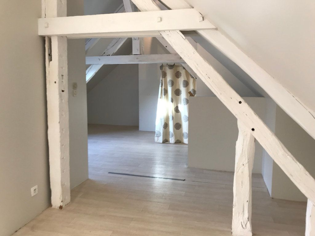 Maison à vendre 4 70m2 à La Ferté-Saint-Cyr vignette-6