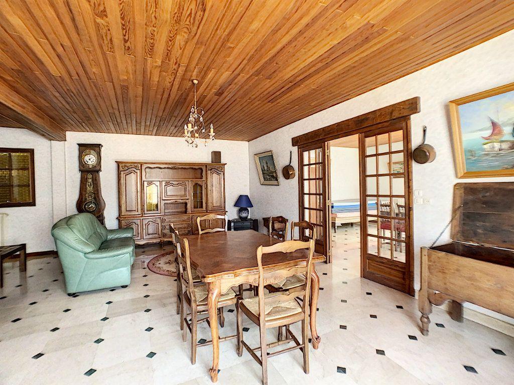 Maison à vendre 7 160m2 à La Ferté-Saint-Aubin vignette-1