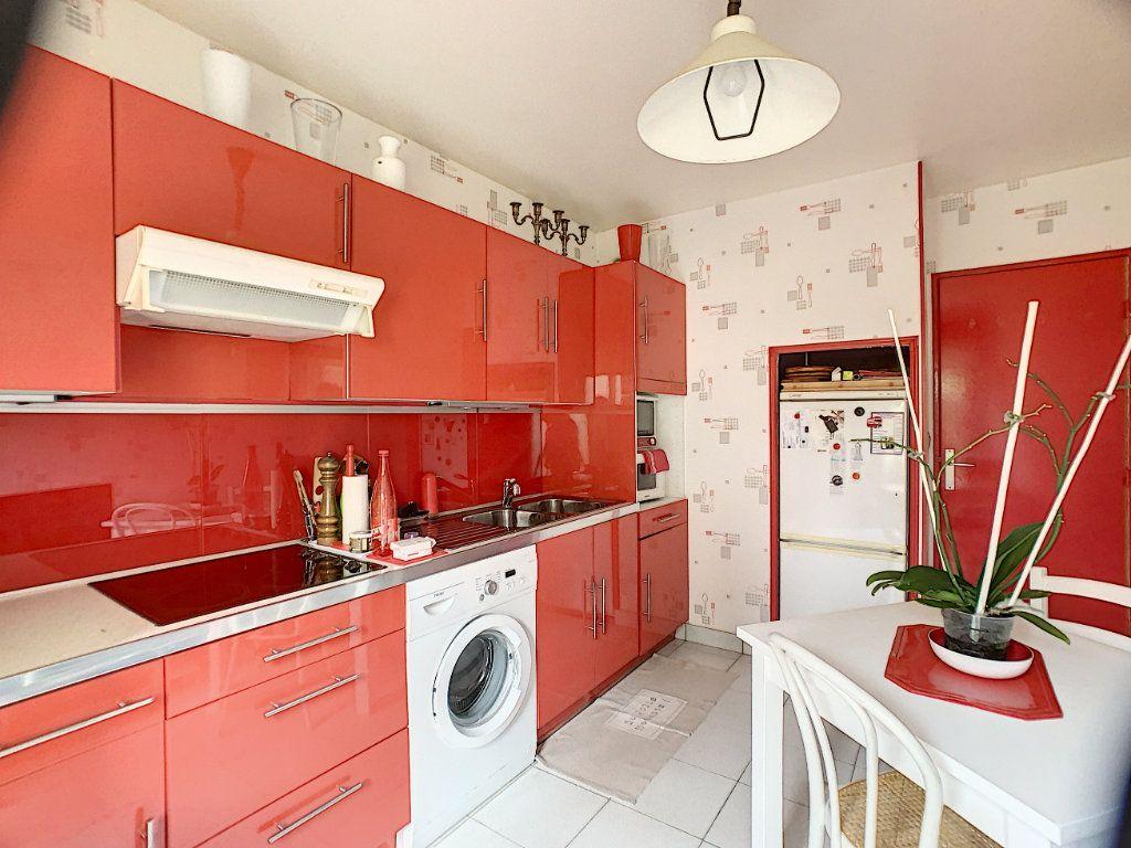 Appartement à louer 3 91m2 à Orléans vignette-2