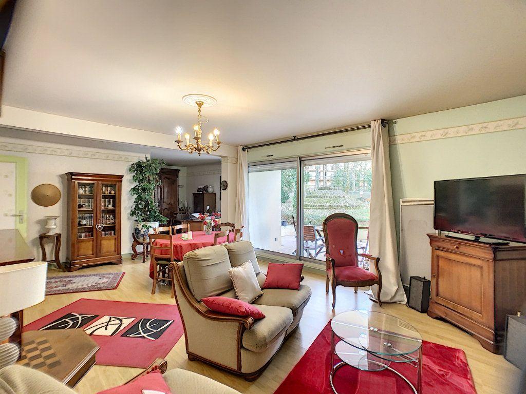 Appartement à louer 3 91m2 à Orléans vignette-4