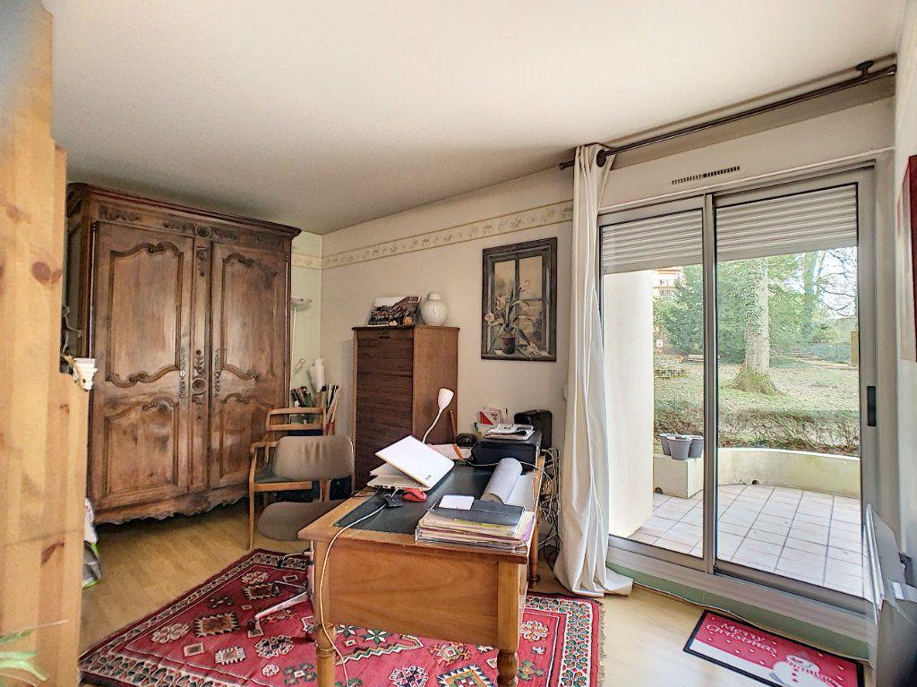 Appartement à louer 3 91m2 à Orléans vignette-5