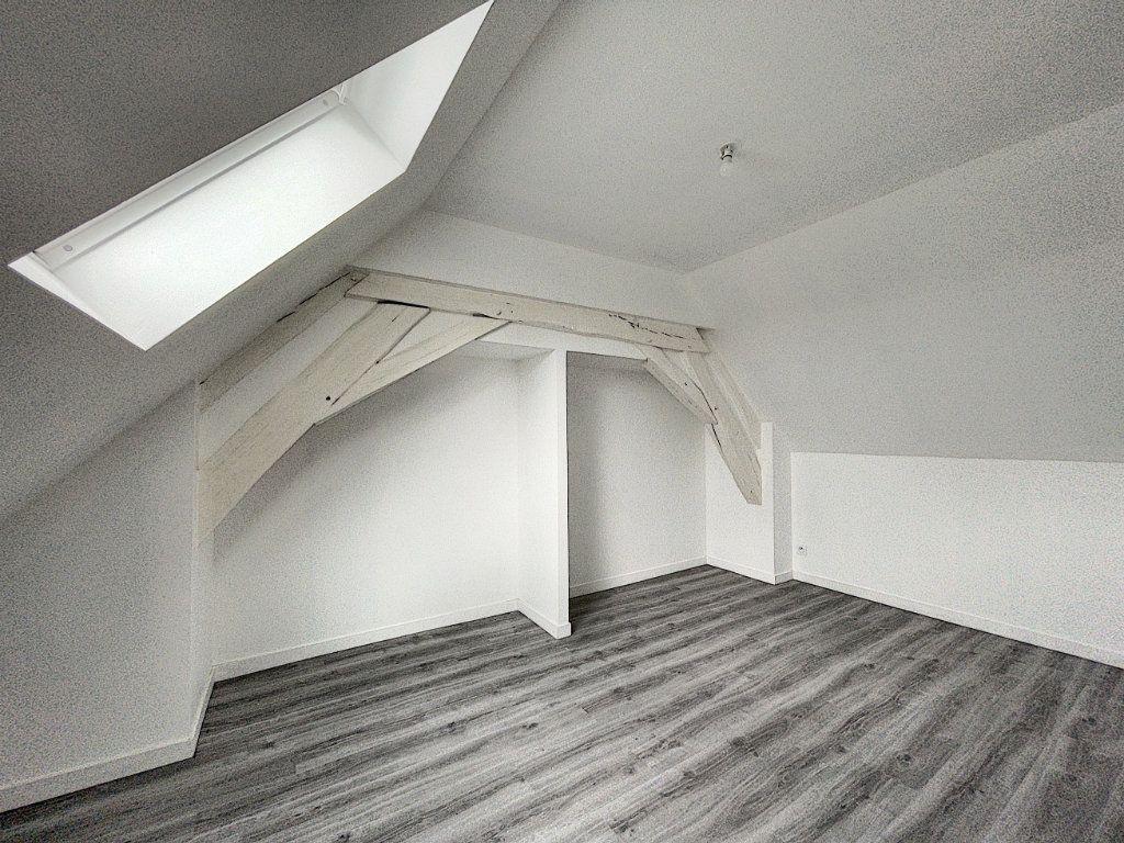 Appartement à louer 2 30.14m2 à La Ferté-Saint-Aubin vignette-5