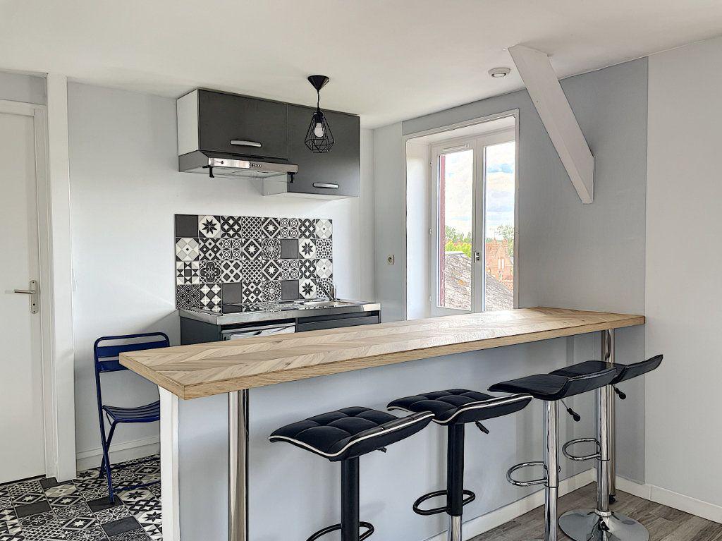 Appartement à louer 2 32.7m2 à La Ferté-Saint-Aubin vignette-2