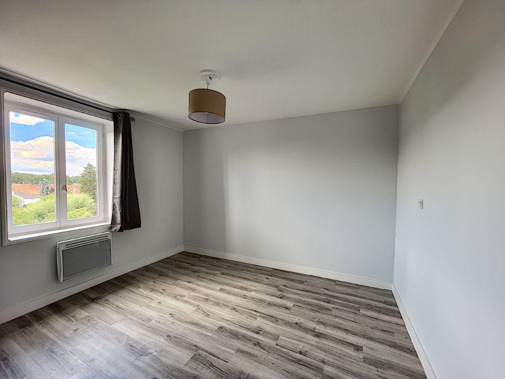 Appartement à louer 2 32.7m2 à La Ferté-Saint-Aubin vignette-6