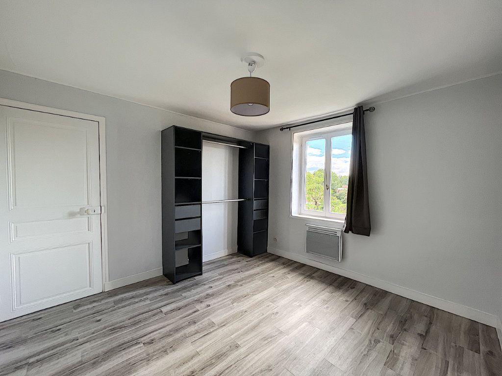 Appartement à louer 2 32.7m2 à La Ferté-Saint-Aubin vignette-7