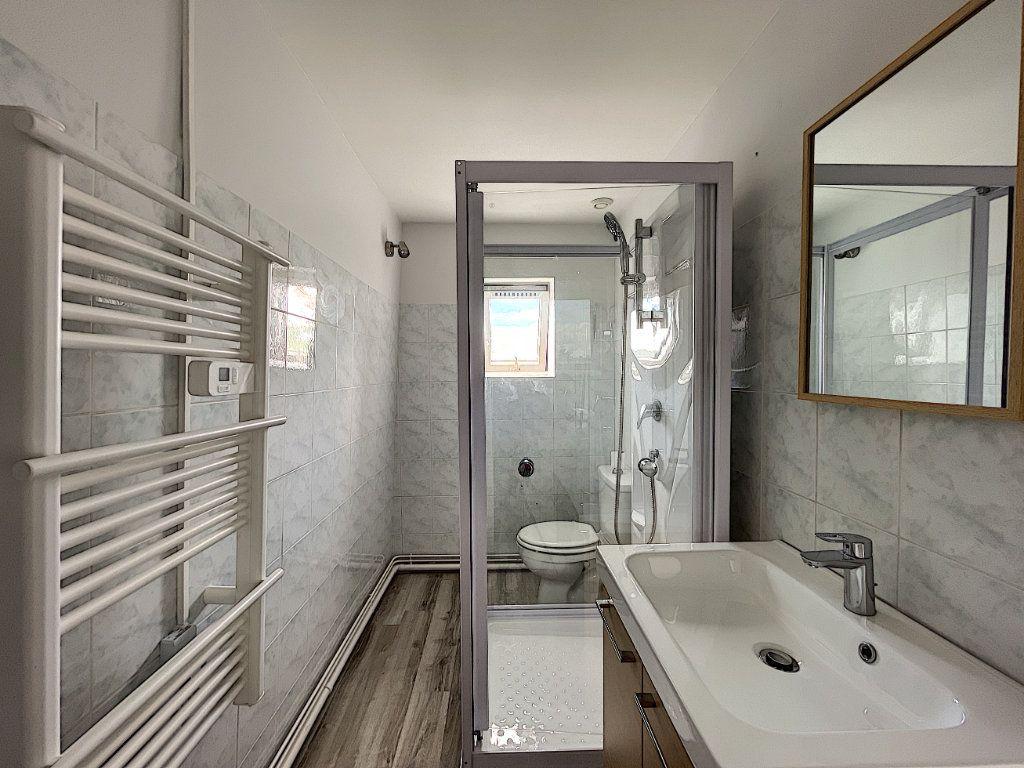 Appartement à louer 2 32.7m2 à La Ferté-Saint-Aubin vignette-8